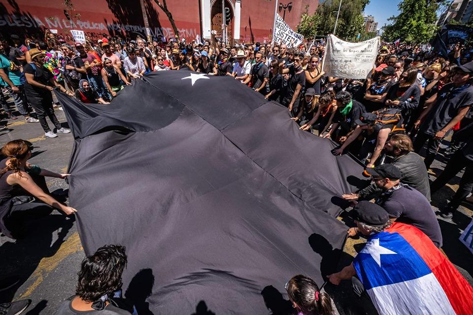 PLATAFORMA ABIERTA. VISUALIDADES Y TEXTOS SOBRE LA CONTINGENCIA EN CHILE