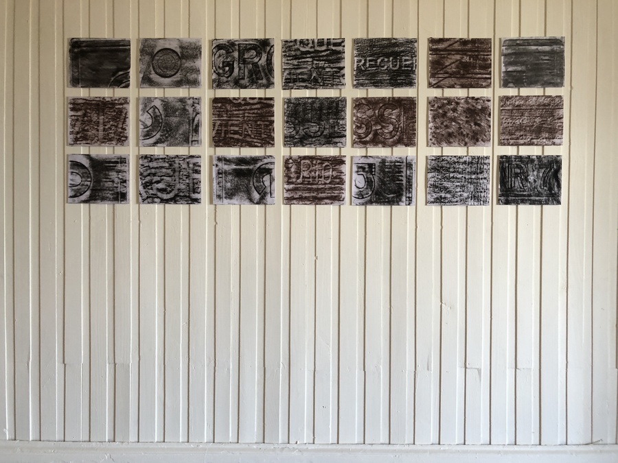 """Vista de la exposición """"Caminos Australes"""" de Martín Gubbins, en Isabel Rosas Contemporary, Valparaíso, Chile, 2019. Cortesía de la galería"""