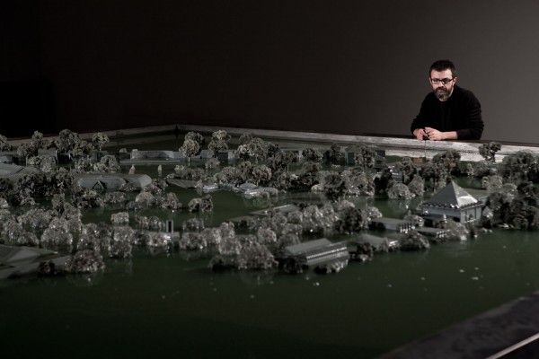 Alfredo-Jaar-Venezia-Venezia-2013-Pavilion-of-Chile-Installation-View-15-600x400