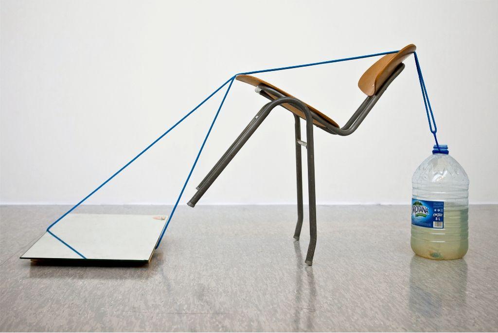 Ana Alenso, El Triángulo de las Bermudas, 2014, inyección de tinta sobre papel de algodón, 100 x 70 cm. Cortesía de la artista