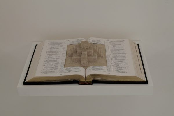 Regina-de-Paula-Bíblia-templo-de-areia-2014-Crédito-©-Wilton-Montenegro