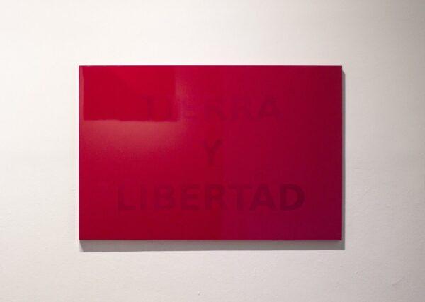 Rubén-Ortiz-Torres-Cidade-do-México-México-1964-Tierra-y-Libertad-2013-Divulgação-Galeria-OMR