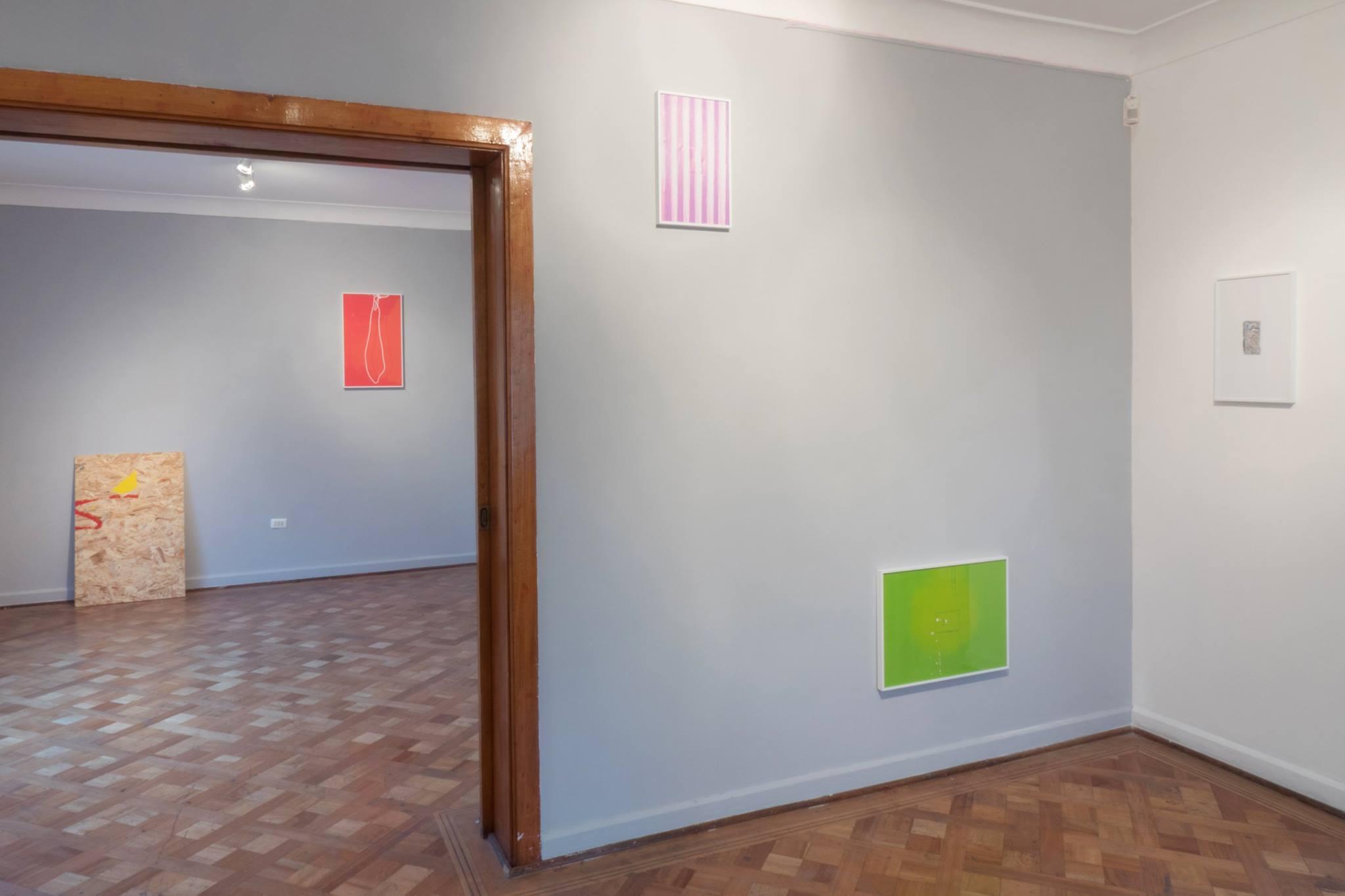 Carlos Silva, vista de la exposición Trabajos de Mantención en Espacio Hache, Santiago de Chile, 2016. Cortesía del artista
