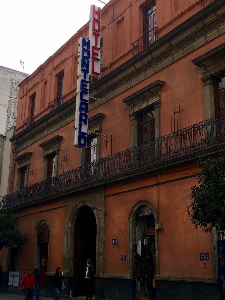 Fachada del Hotel Montecarlo, México (Fotografía de SHCH)