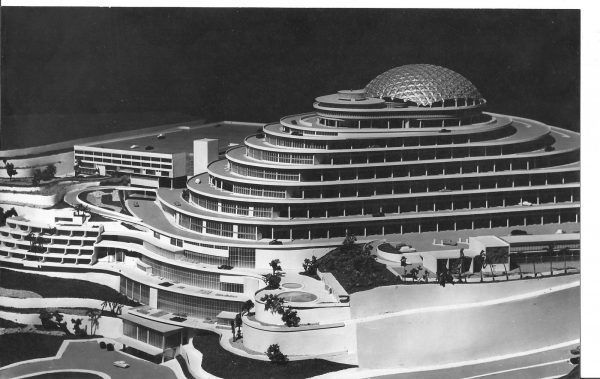 Una-de-las-maquetas-de-_El-Helicoide-de-la-Roca-Tarpeya-Centro-Comercial-y-Exposicio_n-de-Industrias_-el-proyecto-original-para-El-Helicoide-1955-1961