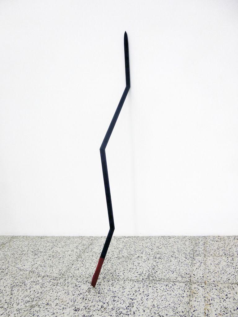 Patrick Hamilton, Chuzo, 2012-2016, 161 x 40 x 3 cm. Cortesía del artista y de la galería