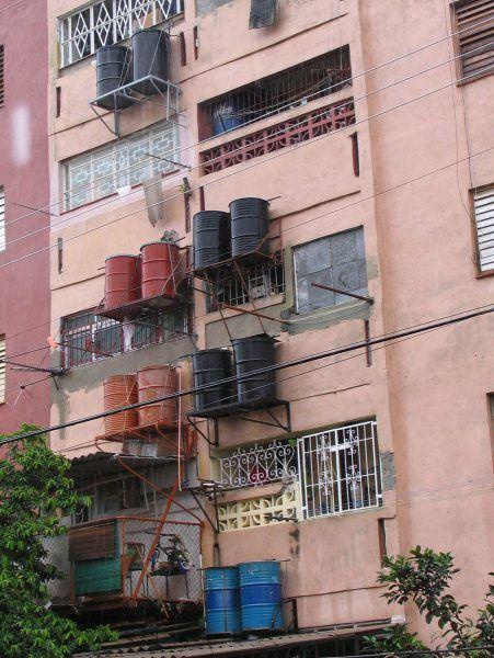 7.architecture-of-necessity-alamar2005