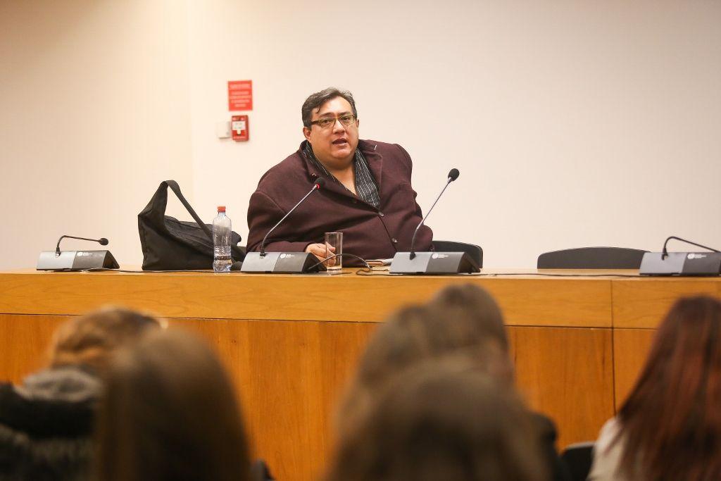 Cuauhtémoc Medina en el Conversatorio Bienales de arte- pertinencia actual y problemáticas, GAM, Santiago de Chile, 2016. Foto: Natalia Espina López. Cortesía: CNCA