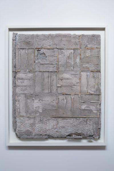 Segunda-capa-Cemento-malla-metalica-y-madera-144-x-100-cm-2014