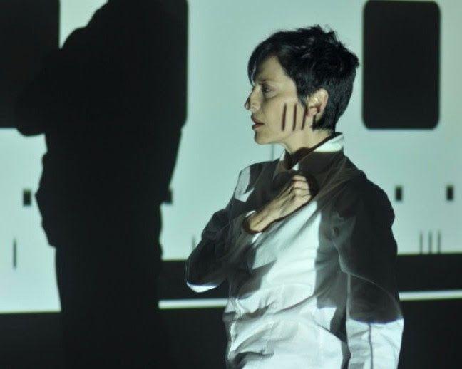 María José Arjona. Lies. Performance duracional interactivo. Foto cortesía de la artista.