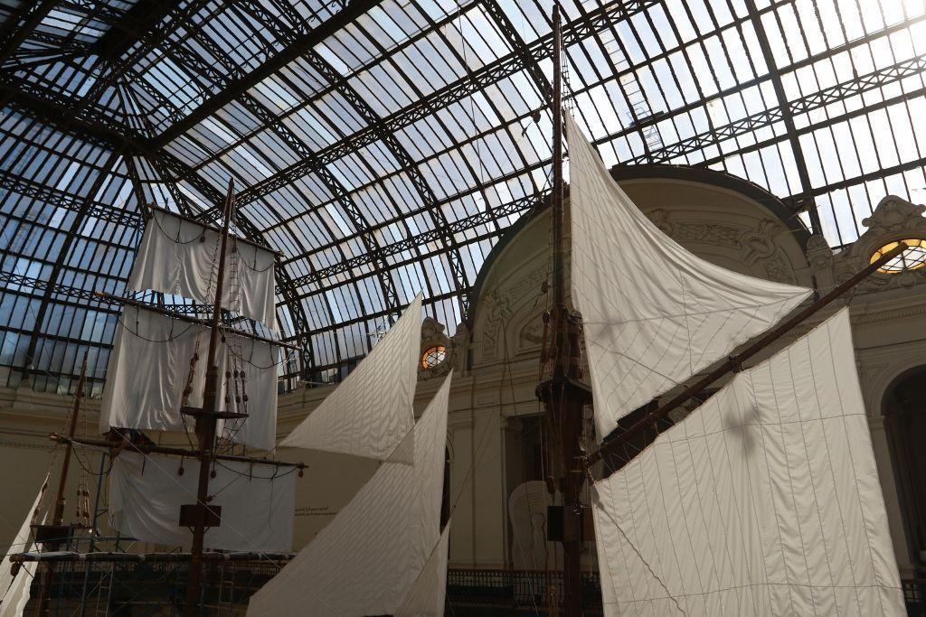 Vista de la instalación Libertad, Igualdad, Fatalidad, de Claudio Corres, en el Museo Nacional de Bellas Artes, Santiago de Chile, 2016. Foto: Juan Carlos Gutiérrez / MNBA