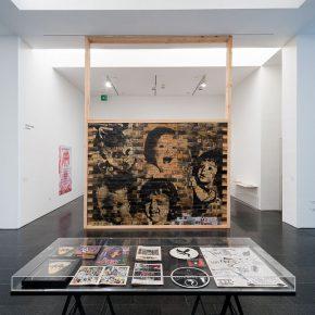 Gelatina dura. Historias escamoteadas de los 80. Vista de la exposición. MACBA, 2016. Foto: Miquel Coll.
