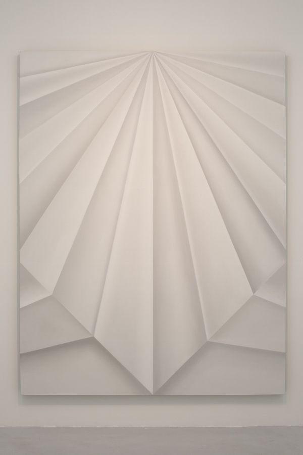 Gonzalo Lebrija, Unfolded Painting (Concord Peak), 2017, óleo sobre lino, 240 x 185.5 cm. Cortesía: Gonzalo Lebrija y Travesía Cuatro