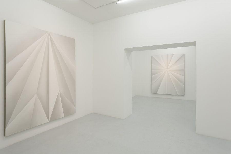 Gonzalo Lebrija, Unfolded Paintings. Vista de la exposición en Travesía Cuatro Guadalajara, 2017. Cortesía: Gonzalo Lebrija y Travesía Cuatro