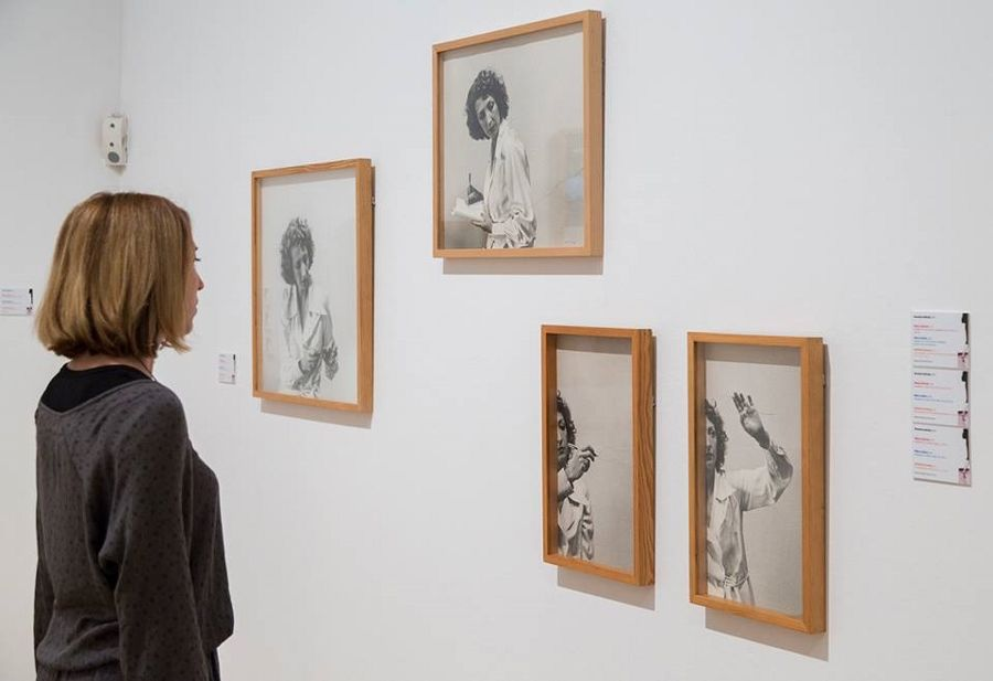 """Vista de la exposición """"Corpus"""", de Helena Almeida, en el IVAM, Valencia, 2017. Cortesía: IVAM"""