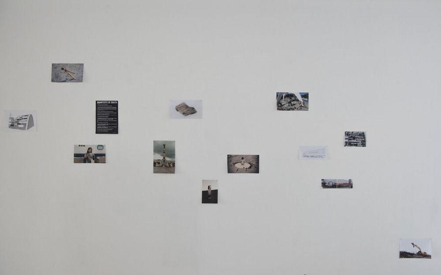 The Fire Theory (Crack Rodríguez, Melissa Guevara, Mauricio Kabistan, Ernesto Bautista), Manifesto of Death, 2012-2016, portafolio de 13 imágenes. Edición de 12 + 1 PA + 1 copia de exhibición. Foto: Jan Inge Haga