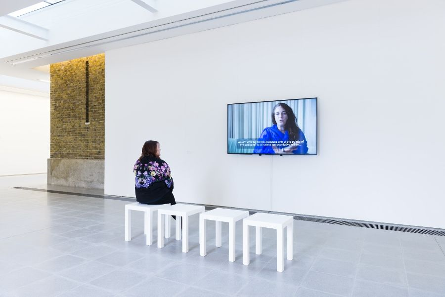 "Tania Bruguera, Transforma tus ideas en acciones cívica, 2017. Vista de la exposición ""Speak"", Serpentine Sackler Gallery, Londres (1 de marzo al 21 de mayo, 2017). Foto: © Mike Din"