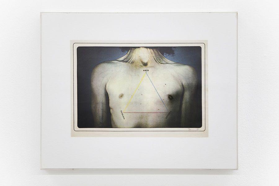 Pedro Terán, Arte Público-Artista, 1981, intervención de lápiz de color y letraset sobre fotocopia a color 30,5 x 38, 5 cm. Cortesía: ABRA Caracas
