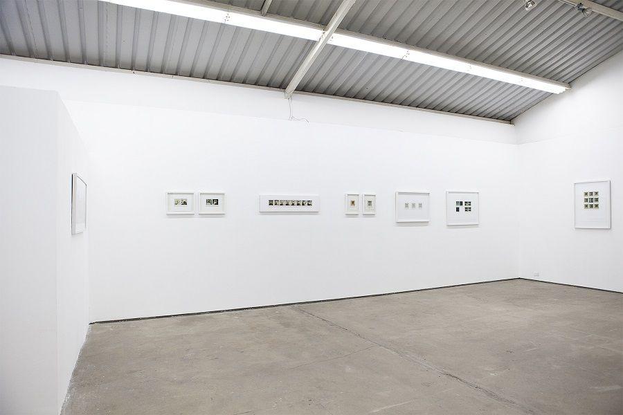"""Vista de la exposición """"Archivo Abierto"""", de Pedro Terán, en ABRA Caracas, Venezuela, 2017. Cortesía: ABRA"""