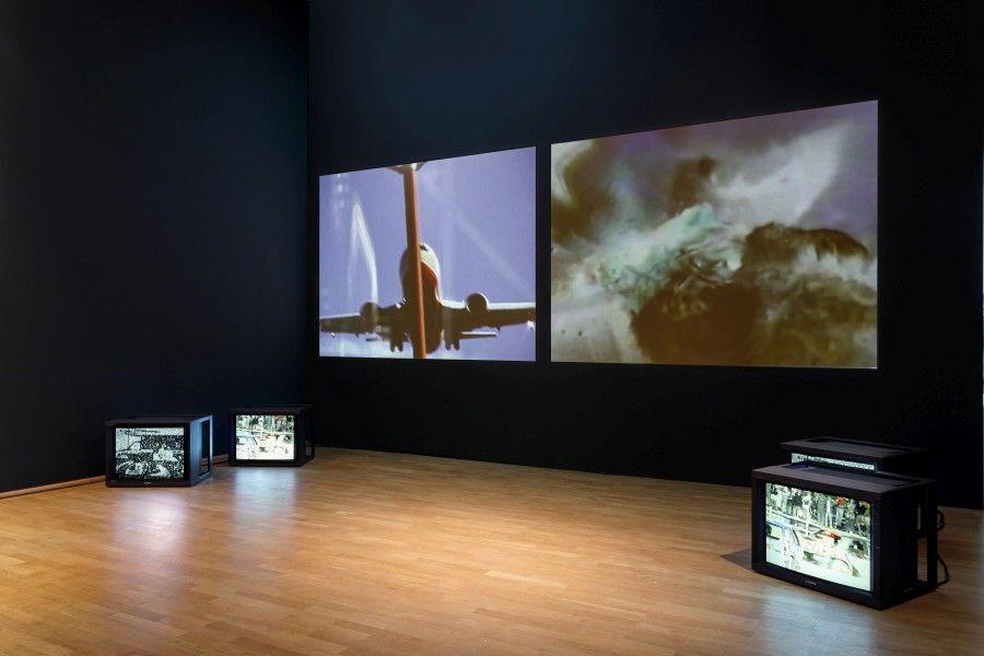 """Carolee Schneemann, vista de la exposición """"Kinetic Painting"""" en MMK Museum für Moderne Kunst, Frankfurt am Main, 2017. Cortesía de la artista, P.P.O.W Gallery (Nueva York), Hales Gallery (Londres), Galerie Lelong, (París), y VG Bild-Kunst (Bonn). Foto: Axel Schneider"""