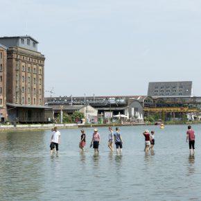 Ayşe Erkmen, On Water. Foto: Henning Rogge