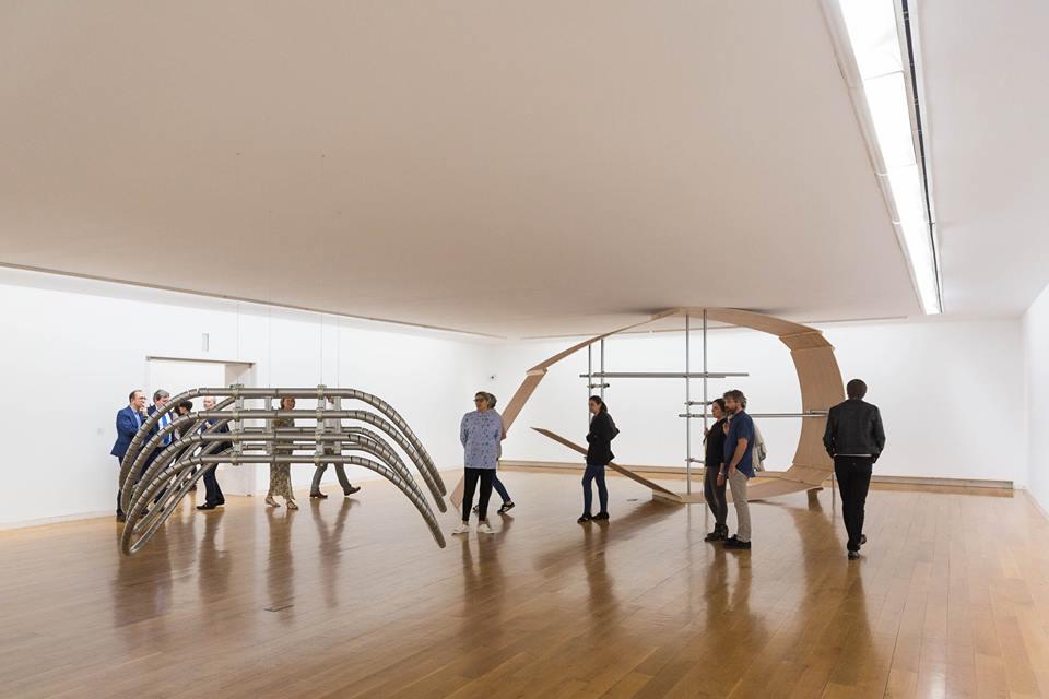 """Vista de la exposición """"Lugar: Contingencias de Uso"""", en el CGAC, 2017. Foto: Manu Suárez"""