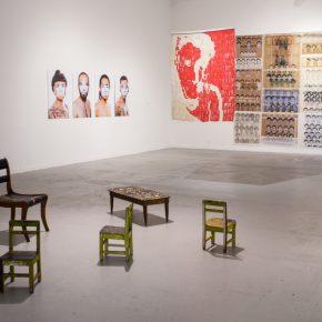 Vista de la muestra del Quinto Concurso Universitario Arte Joven de Balmaceda Arte Joven en el Museo de Arte Contemporáneo, Santiago de Chile. Foto: cortesía Balmaceda Arte Joven.