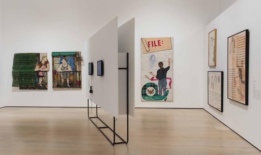 """Vista de la exposición Radical Women: Latin American Art, 1960-1985. Sección """"Social Places"""". Hammer Museum, Los Angeles, 2017. Foto: Brian Forrest"""
