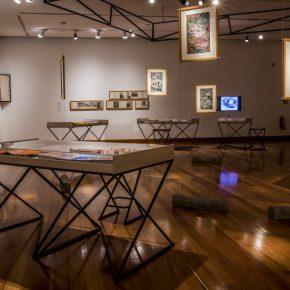 Vista de la exposición El cuerpo del arquitecto no es el de un solo hombre, de Alberto Cruz, en el Museo de Artes Visuales (MAVI), 2017. Foto: Cristóbal Valenzuela