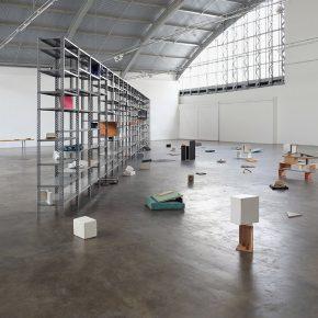 Vista de la exposición Settlements, de Ricardo Alcaide, en Baró Galeria, Sao Paulo, 2014. Cortesía del artista y Baró Galeria