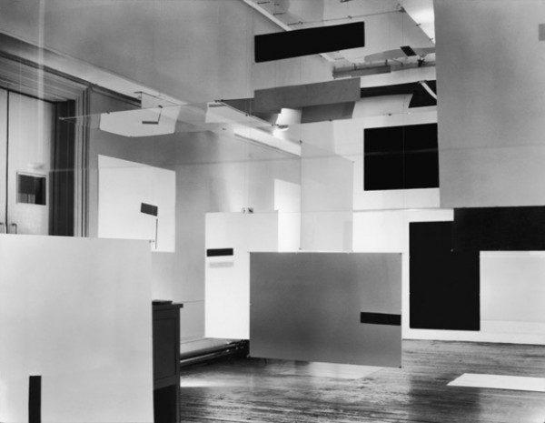 Richard Hamilton, an Exhibit (en asociación con Victor Pasmore y Laurence Alloway), 1957. Vista de instalación en ICA, 17 Dover Street, Londres, 1957 © Richard Hamilton