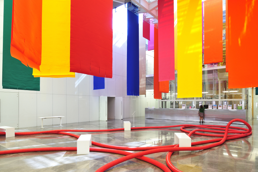 MUSEO AMPARO EXHIBE LA RICA PRODUCCIÓN TEXTIL DE SHEILA HICKS