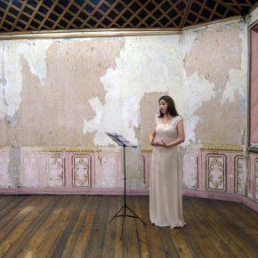Opera Onowoka (2014), de Saskia Calderón, performance y pieza sonora que le valió a la artista ecuatoriana el primer premio otorgado por la bienal. Foto: Pablo León de la Barra