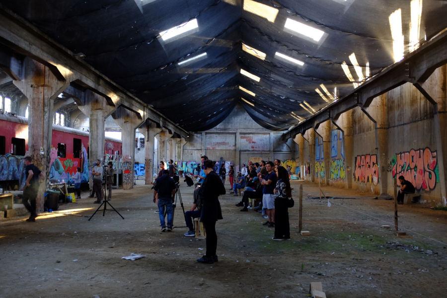 """Acción sonora de """"Acts of Listening"""" en la ciudad de Valparaíso, Chile, 2017. XI Festival de Arte Sonoro Tsonami. Cortesía: Acts of Listening"""