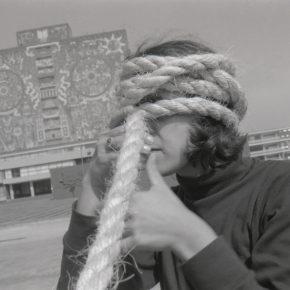 Andrea Ferreyra, Torbellino, 1993. Performance de 12 horas en 13 lugares distintos de la Ciudad de México. Foto: Gabriela González. Cortesía: Andrea Ferrerya