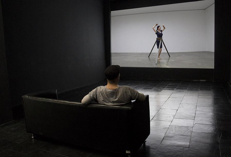 Pieza Remover, parte de la muestra Trazo Mutable de Máximo Corvalán-Pincheira en el Centro Nacional de Arte Contemporáneo Cerrillos, Santiago de Chile. Foto: cortesía del artista.