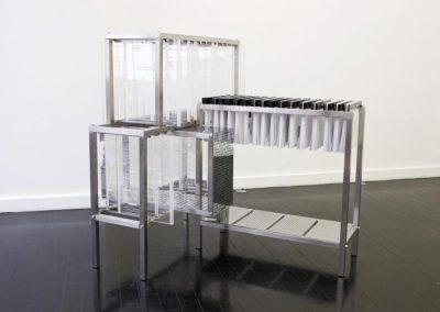 Voluspa Jarpa, Dispositivo Foucault, 2017, 140 x 70 x 70 cm. En mor charpentier