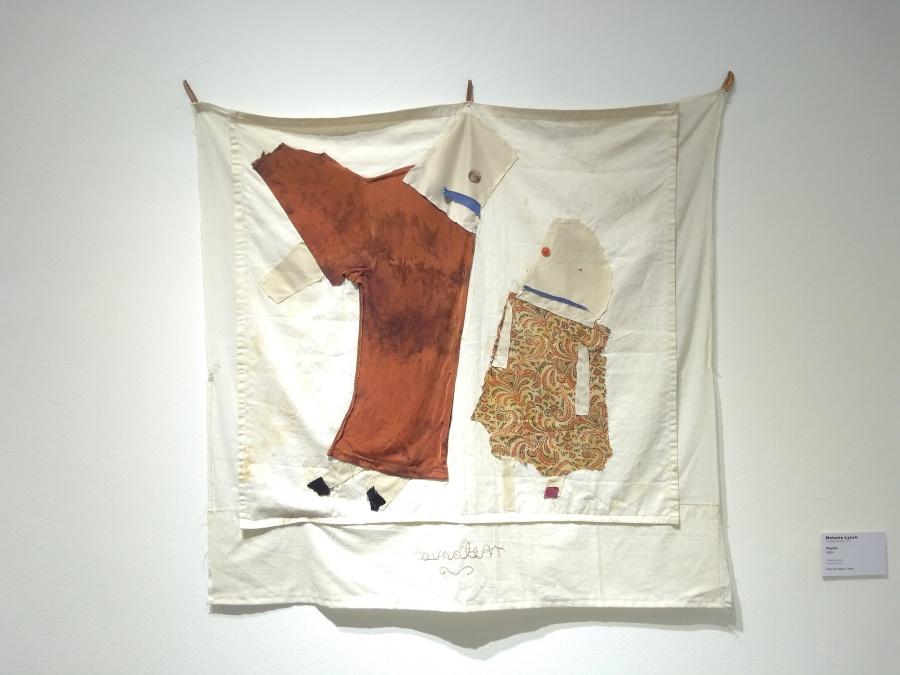 Melania Lynch, Regaño, 2003, collage en tela, 80 x 85 cm. Colección Zegers - Shaw