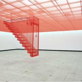 Do Ho Suh, Staircase IV, 2004, nylon traslúcido, dimensiones variables