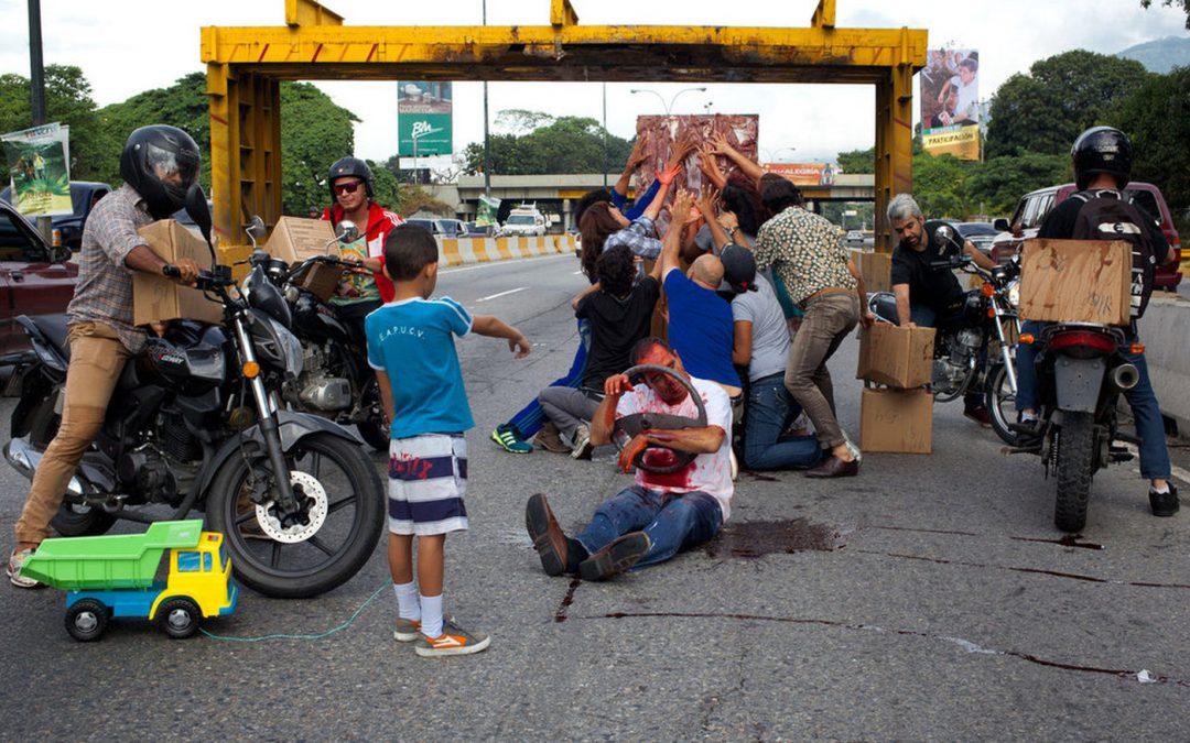 DEL REALISMO SOCIAL AL REALISMO CONCEPTUAL (O CÓMO LIDIAR CON LA CRISIS EN VENEZUELA, DESDE EL ARTE CONTEMPORÁNEO)