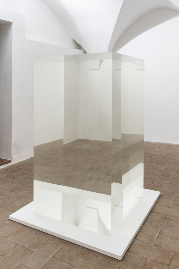 Anish Kapoor, Invisible object, 2015, resina, 143 x 80 x 80 cm. Foto: Ela Bialkowska