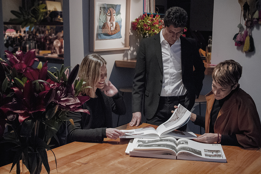 Los directores de Fundación Antena: Constanza Güell, Alfonso Díaz y Elisa Ibáñez. Foto: cortesía Fundación Antenna.