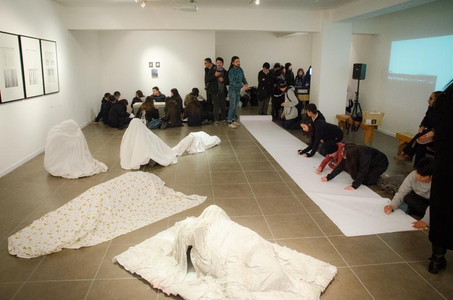 Vista de la Galería Activa, sede de la Galería Balmaceda Arte Joven en la región de Los Lagos, Chile. Cortesía: BAJ