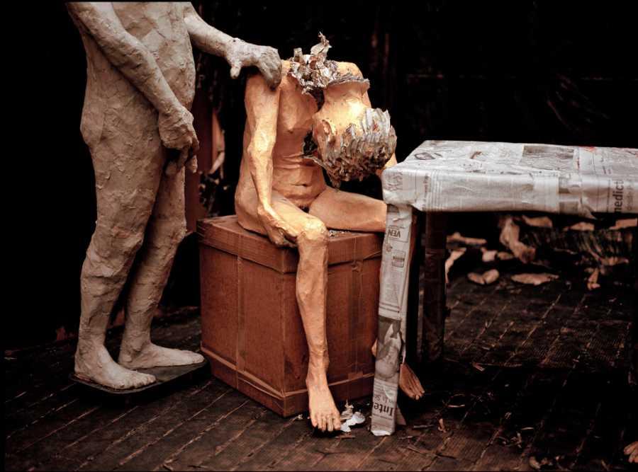 Juan Pablo Langlois, Papeles Sádicos, 2011, still de video. Cortesía del artista y Cindy Rucker Gallery, NY