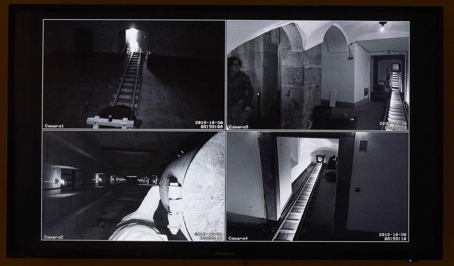 """Vista de la exposición """"De los dementes, ò faltos de juicio"""", de Mapa Teatro, en el Museo Reina Sofía, Madrid, 2018. Foto: Joaquín Cortés/Román Lores. Cortesía: MNCARS"""