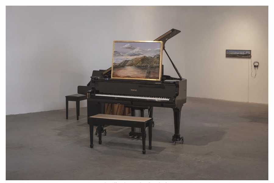 Alberto Baraya, Piano Partituras, 2017, impresión inkjet sobre Museumpaper, 35 x 50 cm. Cortesía del artista y Galeria Nara Roesler