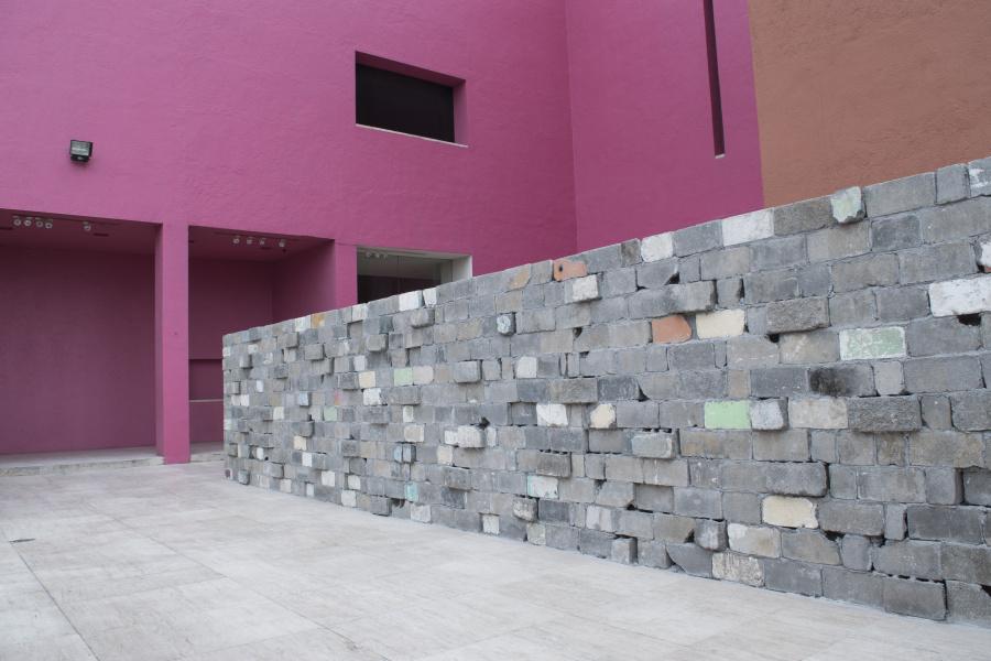 """Vista de la exposición """"Obra inconclusa"""", de Tercerunquinto, en el MARCO, Monterrey, México, 2018-2019. Foto cortesía de MARCO"""