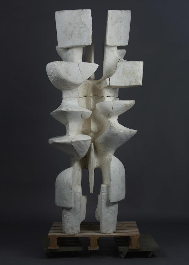 Alicia Penalba, Grand double, 1962. Cortesía: Galerie Jean-Marc Lelouch. Art Paris 2019