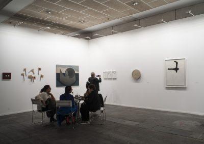 Anna Maria Maiolino y Magdalena Jitrik, en galería Luisa Strina, Sao Paulo, feria ARCOmadrid, 2019. Foto: Mariella Sola