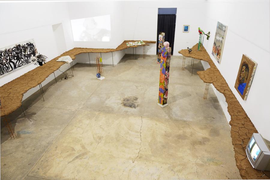 """Vista de la exposición """"nepantla"""" en Gamma Galería, Guadalajara, México, 2019. Cortesía de la galería"""